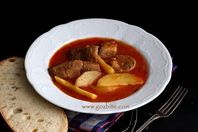 свинско с картофи за вечеря